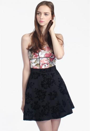 http://catwalkclose.com/752-12247-thickbox/parise-embossed-skirt.jpg